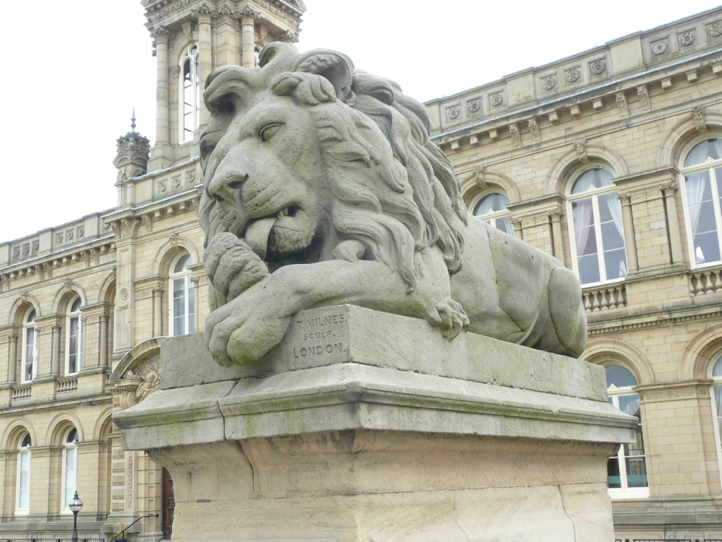 Peace, the lion, Saltaire